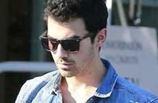 Joe Jonas dice que los rumores sobre drogas son ridículos!