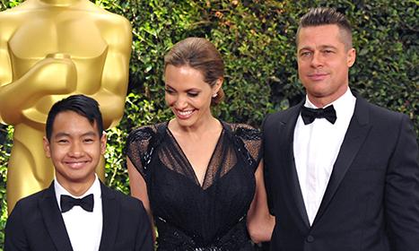 Angelina Jolie en la Red Carpet con Brad y Maddox