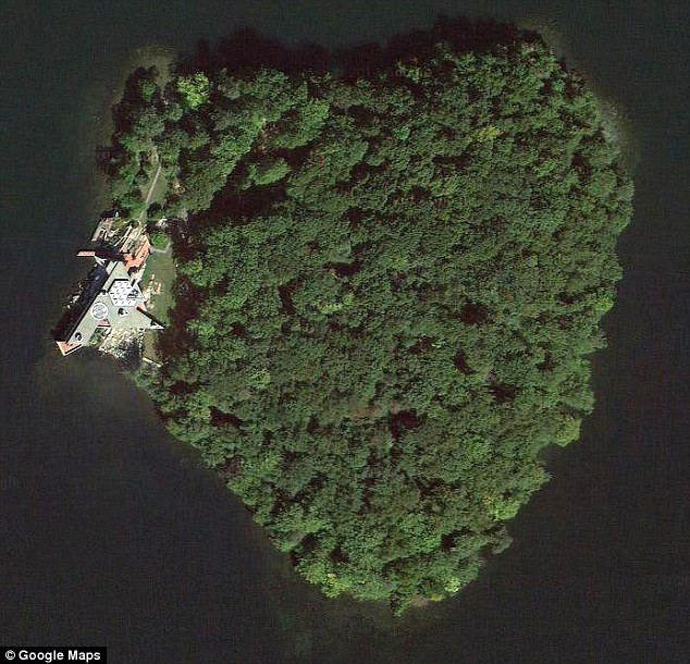Angelina Jolie le regala a Brad una isla privada...