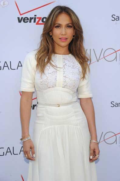 Jennifer Lopez es una belleza NATURAL!!! Sin cirugias!