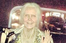 Heidi Klum impresiona en Halloween – Old Lady!!