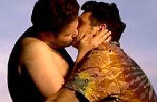 James Franco y Seth Rogen hacen parodia de Bound 2