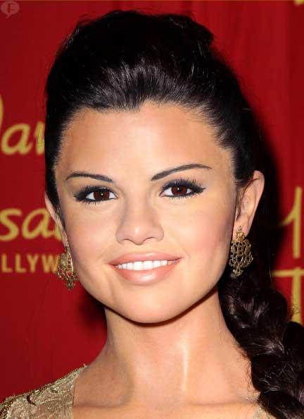 Madame Tussauds revela estatua de Selena Gomez. Again! FAIL!!!!