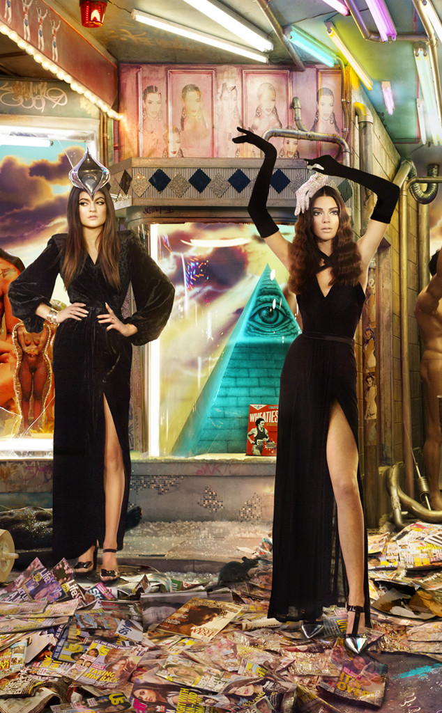 La tarjeta navideña de las Kardashians - WTF?