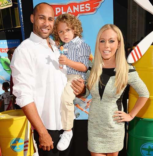Kendra Wilkinson revela que tendrá una niña! Baby Girl!!