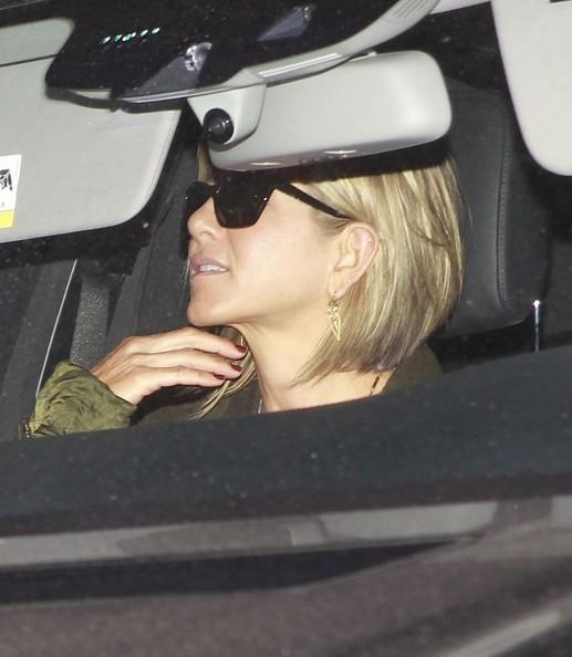 Jennifer Aniston embarazada! HOAX! Vientre en alquiler? NOPE!