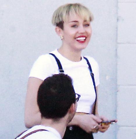 OMG!! Miley Cyrus muestra un nuevo look? MOE?