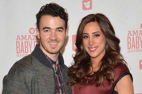 Kevin Jonas y su esposa Danielle ya son padres - Baby Girl!!