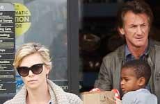 Sean Penn y Charlize Theron se mudan juntos…