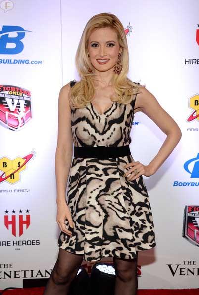 Holly Madison ya no es rubia - Nuevo Look!!