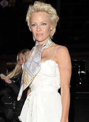 Pamela Anderson revela que fue víctima de abuso sexual