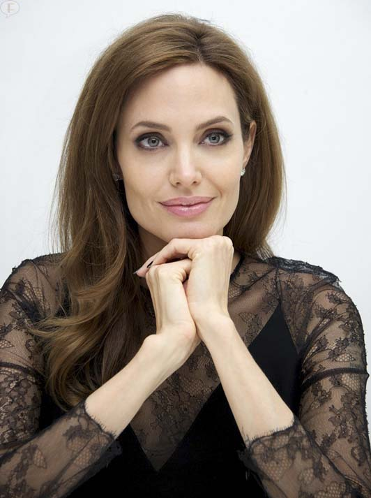 Angelina Jolie nombrada Dama Honoraria de la UK
