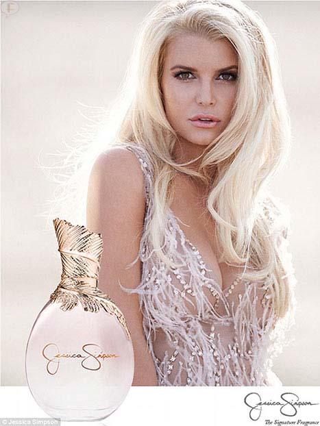 Jessica Simpson posa para su perfume