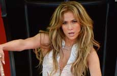 Jennifer Lopez quiere que Selena Gomez la interprete en un film
