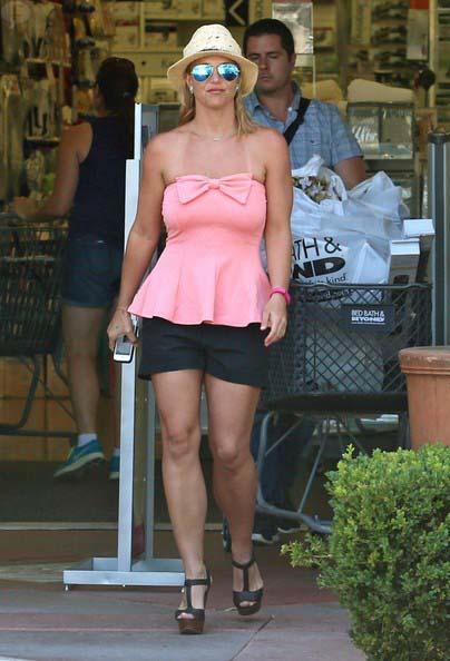 Britney Spears de shopping looking GOOD!