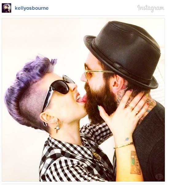 Kelly Osbourne comparte foto con su nuevo novio - GET A ROOM!