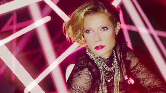 Gwyneth Paltrow como Madonna, Audrey Hepburn y otros iconos Max Factor
