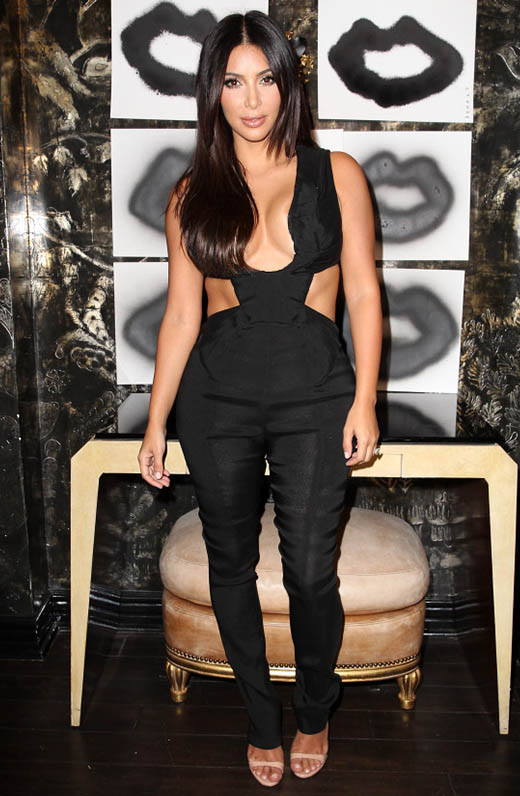 Kim Kardashian usa faja para perder peso - Exagerada?