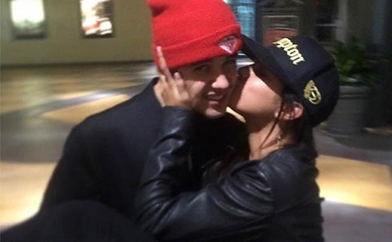 Selena Gomez volvió con Justin Bieber por Jesus!