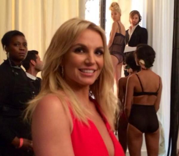 Britney amenaza a la mujer con la que David le fue infiel