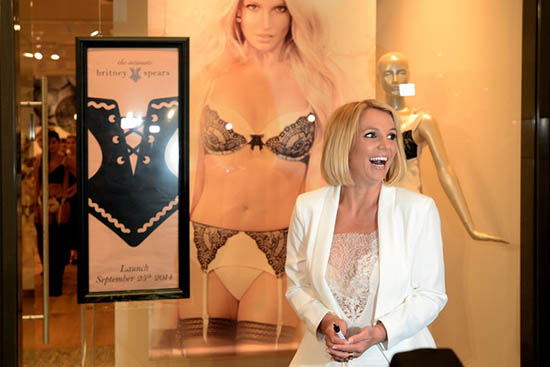 Britney quiere a Kate Middleton con su lingerie