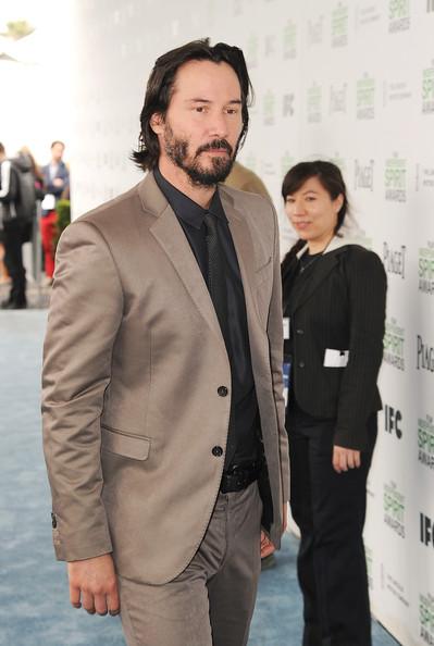 Keanu Reeves victima de intrusas en su casa!!