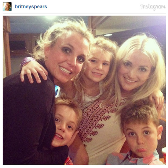 Britney en el estudio de grabación! Chismes!