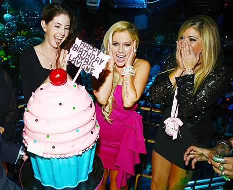 Avril Lavigne celebró su BDay sin Chad Kroeger