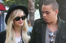 Ashlee Simpson y Evan Ross Casados!!
