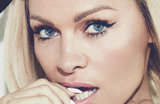 Pamela Anderson High Fashion en No Tofu Magazine