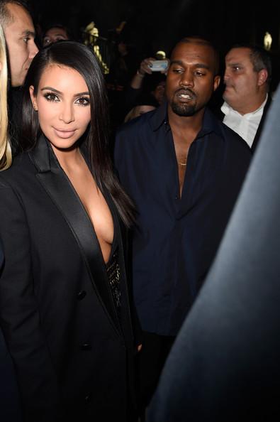 Kim toma el control!! Prohíbe a Kanye ver otras mujeres?