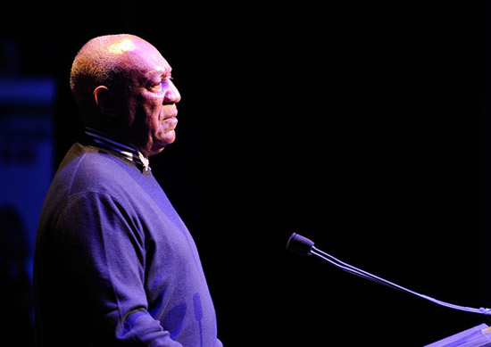 Janice Dickinson acusa a Bill Cosby de abuso sexual!