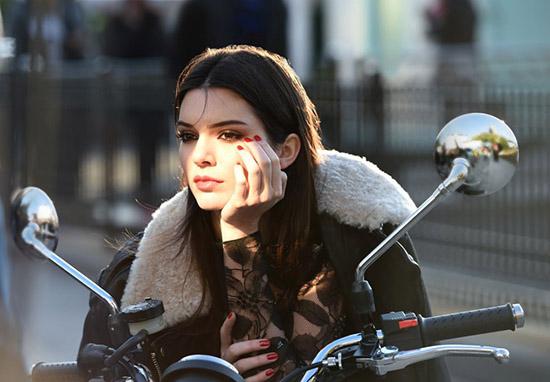Kendall Jenner prohibió a Kim Kardashian ir a sus desfiles