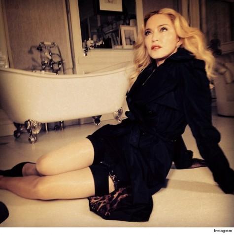 Madonna donó ganancia Versace a caridad - Sin retoque