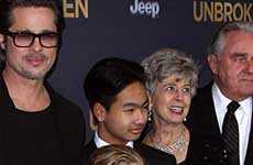 Brad, sus padres, Maddox, Shiloh y Pax: Premier de Unbroken