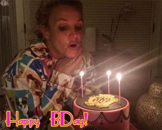 Britney Spears celebró sus 33 en pijama!
