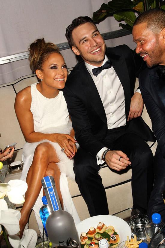 Jennifer Lopez saliendo con Ryan Guzman? Eeh... NOPE!