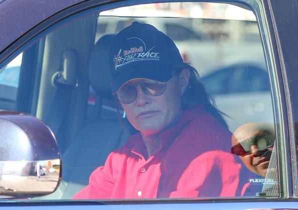 OMG!! Bruce Jenner será una MUJER! [People]