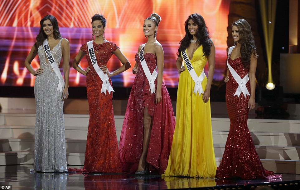 Miss Colombia gana Miss Universo - Robaron a Miss Jamaica? WTF?