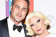 Gaga & Taylor Kinney comprometidos! Vean el anillo!