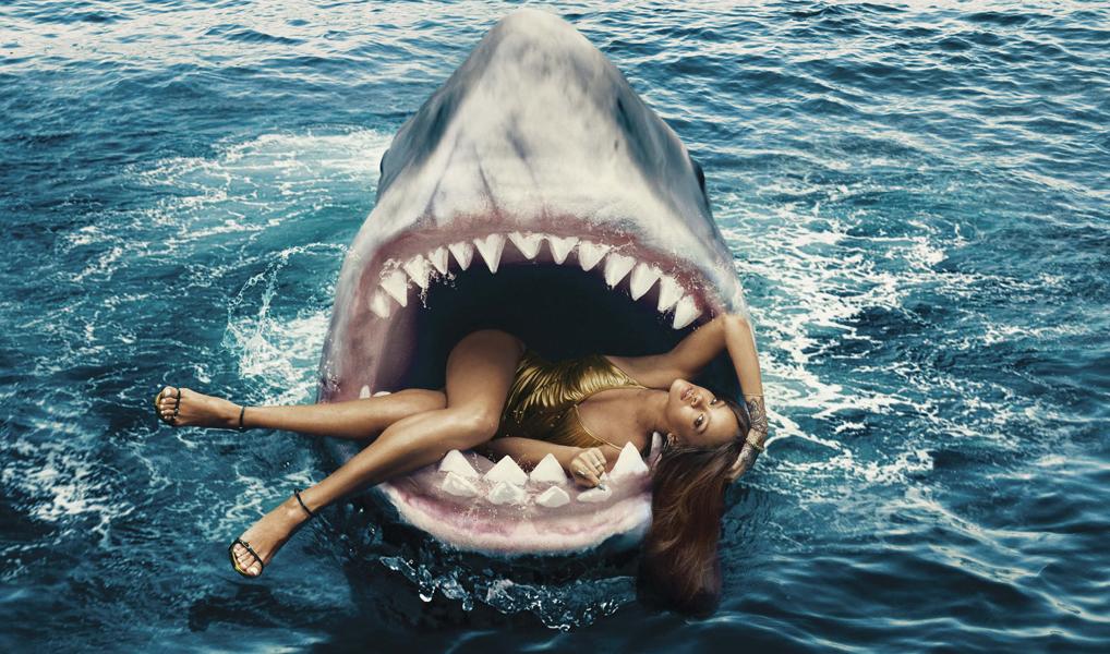 Rihanna en la boca del Tiburón [Harper's Bazaar]