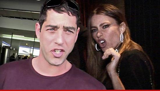 El ex de Sofia Vergara quiere un hijo de ella! WHAT?