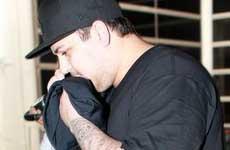 Rob Kardashian es un drogadicto! – [InTouch]