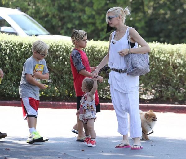 Gwen Stefani en modo Mommy frente a los paps?