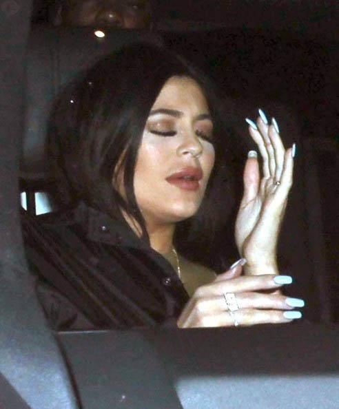 Tyga engaña a Kylie Jenner con una transgénero!?