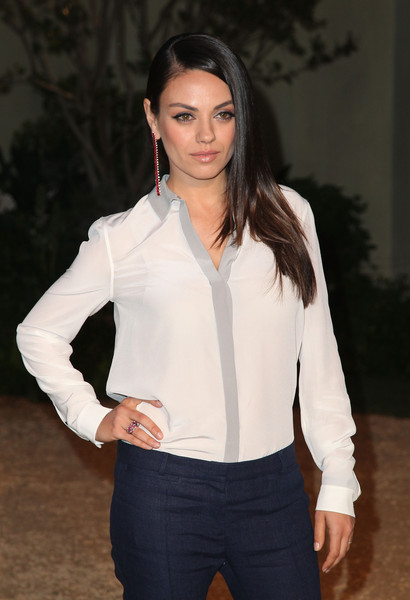 Mila Kunis:  millones si Ashton Kutcher es infiel
