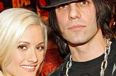 Holly Madison habla mal de su ex Criss Angel en su libro