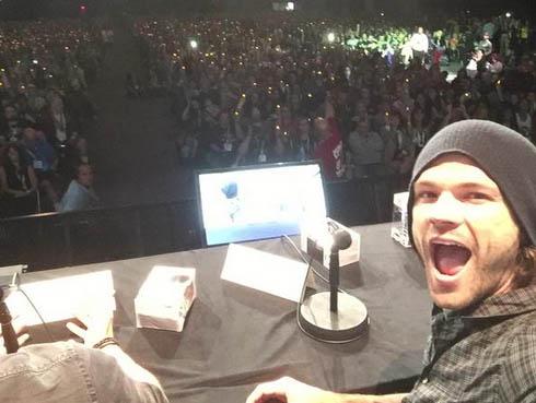 Miles de fans apoyan a Jared Padalecki en Comic-con