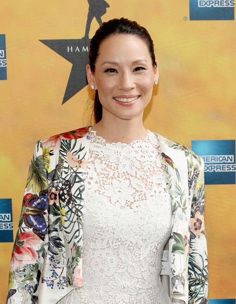 """Elementary"" Lucy Liu es madre!!"