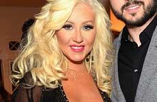 Christina Aguilera: Cirugia plástica o aumento de peso?